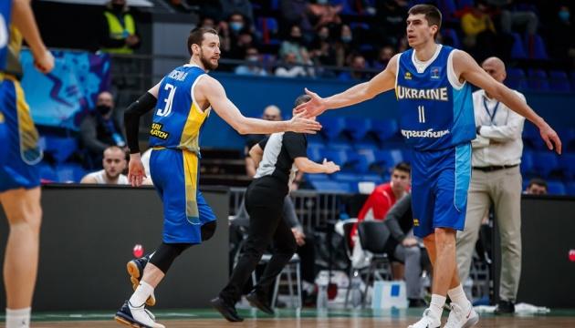 Збірна України розгромила угорців у відборі Євробаскету-2022