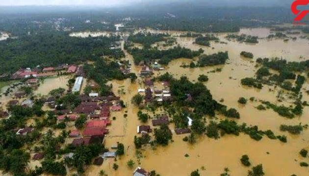 Повінь в Індонезії: десятки тисяч постраждалих, тисячі людей евакуюють