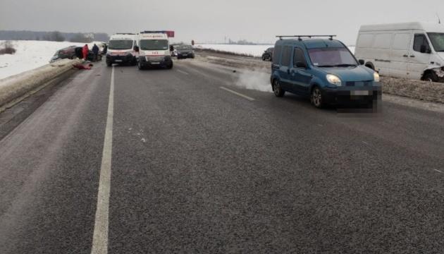 Під Києвом сталася смертельна ДТП з п'ятьма авто