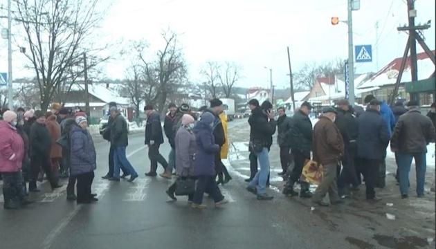 Жители 30-километровой зоны ЮАЭС перекрыли трассу - требуют льготный тариф