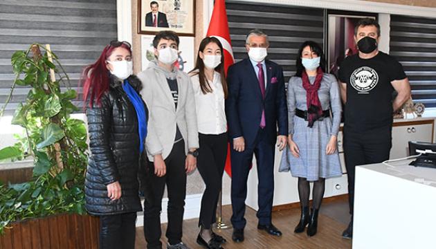 Сто українських дітей поїдуть у червні до Туреччини в межах соціально-культурного проєкту