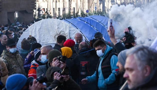 Опозиція Грузії оголосила протести після арешту глави партії Саакашвілі