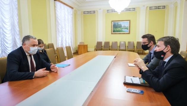 Жовква і посол Італії обговорили доступ України до COVID-вакцин