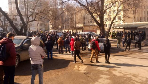Полиция Одессы открыла дело из-за беспорядков возле Приморского райсуда