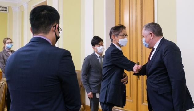 В ОП обговорили з послом Кореї обмін візитами на найвищому рівні