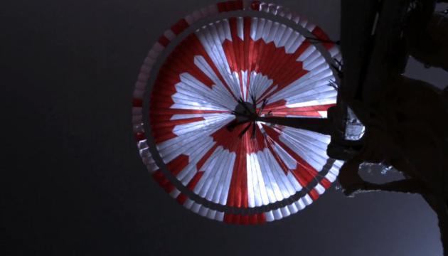 NASA зашифрувало повідомлення на парашуті марсохода Perseverance