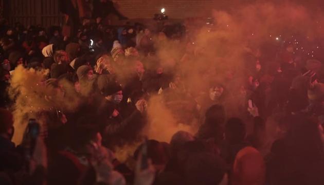 У Авакова назвали «вакханалией насилия» протесты под ОП из-за ареста Стерненко