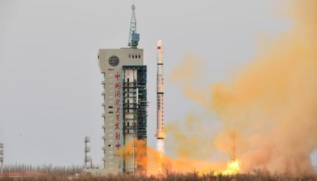 Китай запустил на орбиту новые спутники