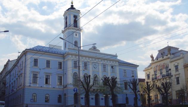 Депутаты Черновицкого горсовета просят СНБО и Президента запретить ОПЗЖ и партию Шария