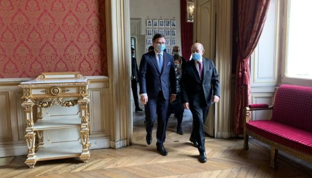 Франция готова принять участие в саммите Крымской платформы - Кулеба