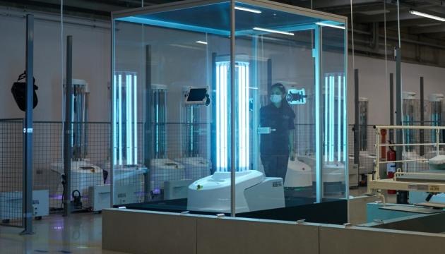 До лікарень ЄС почали доставляти роботів-дезінфекторів