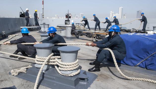 На двох бойових кораблях ВМС США стався спалах коронавірусу