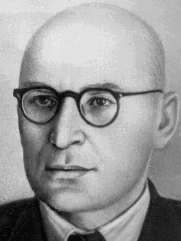 Антон Комар