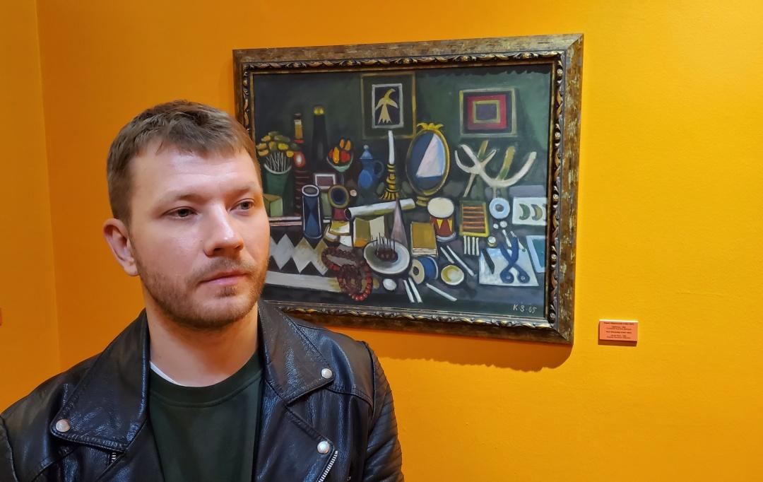 На фото - мистецтвознавець Андрій Сігунцов