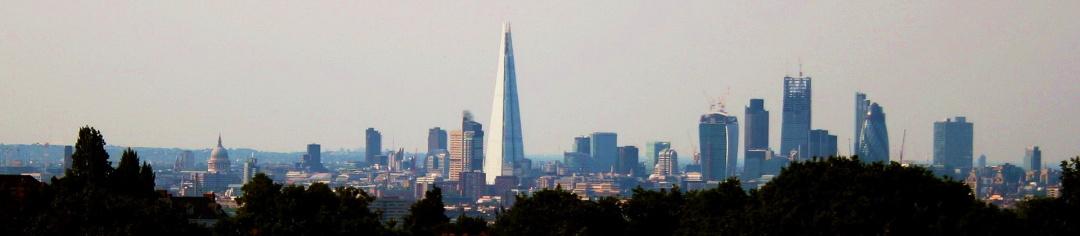 домінуюча над Лондоном Скалка, липень 2013 р.