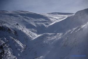 На Прикарпатті утримається сніголавинна небезпека