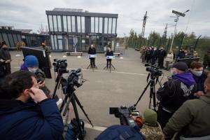 Charles Michel et Volodymyr Zelensky tiennent une conférence de presse conjointe dans le Donbass