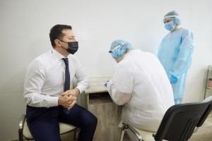 Volodymyr Zelensky vacciné contre le coronavirus dans le Donbass