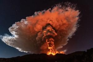 На Сицилії знову почалося виверження вулкану Етна