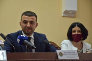 Звільнений за скандал у день призначення експрокурор Тернопільщини каже, що працює