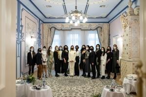 Борьба со стереотипами: Елена Зеленская встретилась с участницами проекту СВОЯ