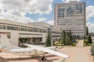 У Києві повернули у держвласність «продані» гуртожитки НАУ