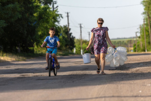 UNICEF dénonce le manque d'accès à de l'eau potable dans le Donbass