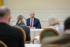 Denys Chmygal présente le rapport des activités du gouvernement pour 2020