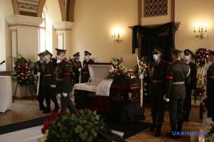 Trauerfeier für den ersten Außenminister Anatolij Slenko