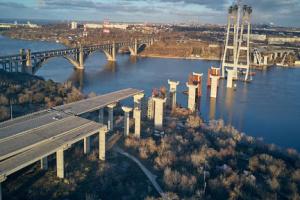 Строительные работы на запорожских мостах идут круглосуточно