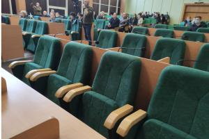 Славянск остается без бюджета - сессия горсовета снова не состоялась