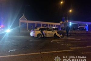 На трассе Киев-Одесса произошло ДТП с автомобилем полиции: есть погибший