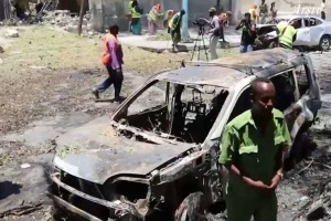 В Сомали смертник подорвал автомобиль со взрывчаткой, 20 погибших