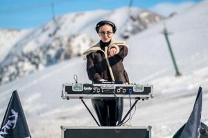 Украинская диджей Katy Rise сняла клип в турецких горах