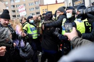 У Швеції вперше розігнали «карантинний» протест