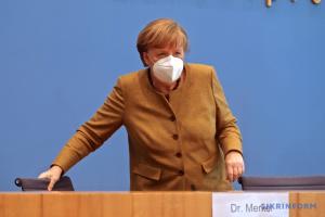 Меркель вакцинувалася AstraZeneca