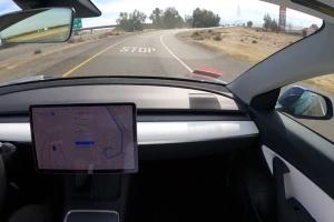 Маршрут и визуализация: автопилоты Tesla и Google сравнили в одинаковых условиях