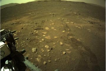 Марсохід Perseverance вперше проїхався поверхнею Марсу