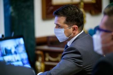 Zelensky pide acelerar la vacunación contra el coronavirus
