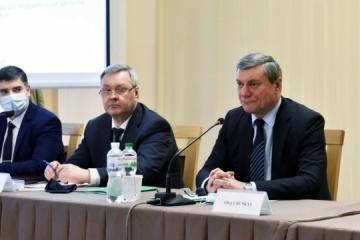 Urusky mantiene una reunión con agregados militares de Estados extranjeros