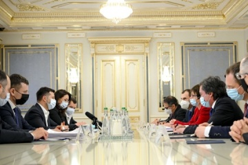 Zelensky, EBRD President discuss Ukraine's needs for investment in infrastructure and agriculture