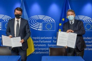Razumkov resume los resultados de su visita a Bruselas