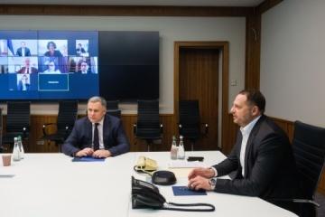 Jermak omówił sytuację w Donbasie z posłami G7 i UE