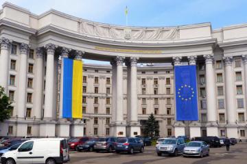 Exteriores: Moscú intensifica la escalada en el Donbás con la apertura de una oficina de representación del partido ruso