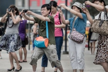 Zelensky introduces temporary visa-free regime for Chinese tourists