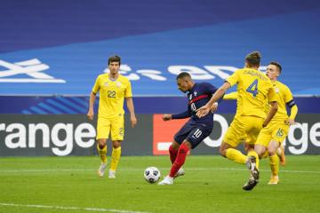 Ucrania empata ante Francia en el inicio de la clasificación para la Copa Mundial 2022