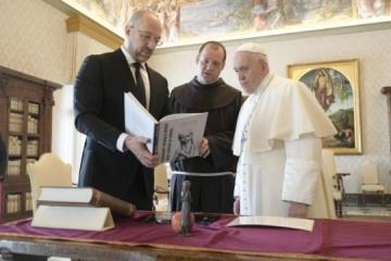Ministerpräsident Schmyhal trifft sich mit Papst Franziskus