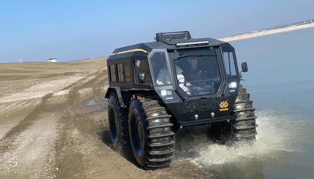 Ucrania presenta un vehículo todo terreno único SHERP en Turquía