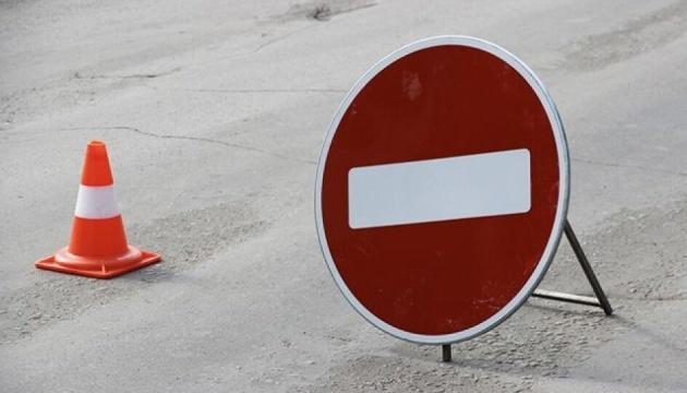 На вулиці Милославській до листопада обмежать рух транспорту