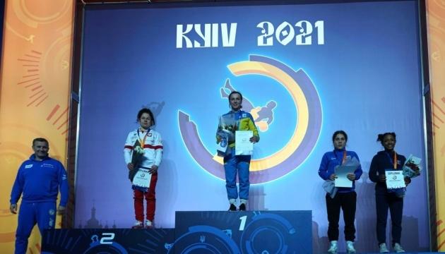 Українці здобули 23 медалі на міжнародному турнірі з боротьби у Києві